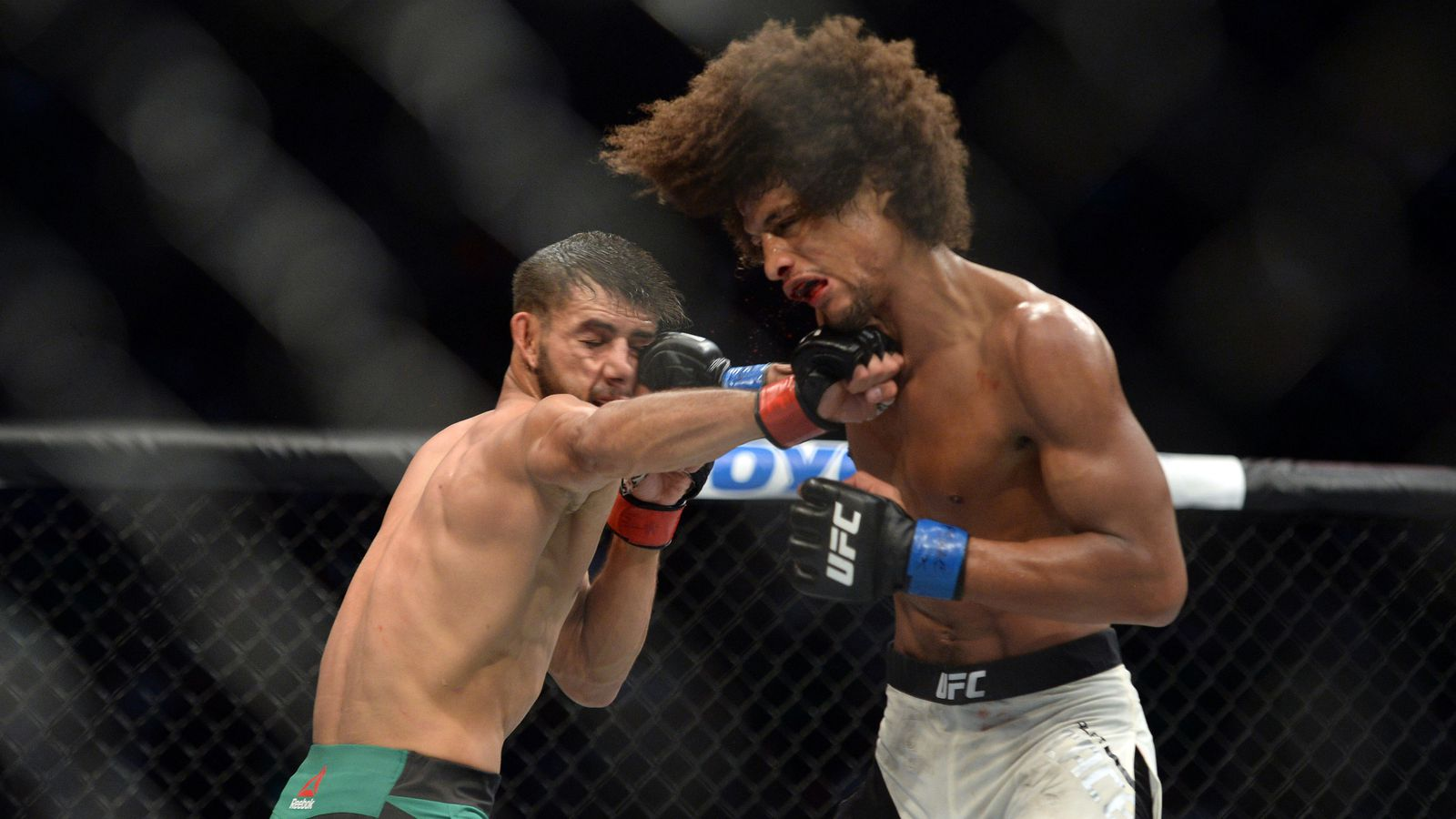 Yair rodriguez vs alex caceres full fight video for Alex rodriguez mercedes benz clear lake