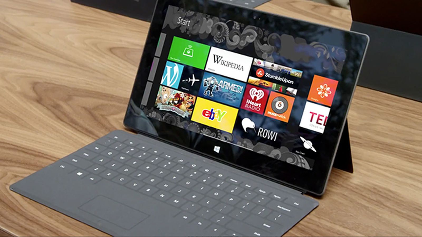Microsoft surface rt goes on sale at best buy and staples today the verge - Surface vitree rt 2012 ...
