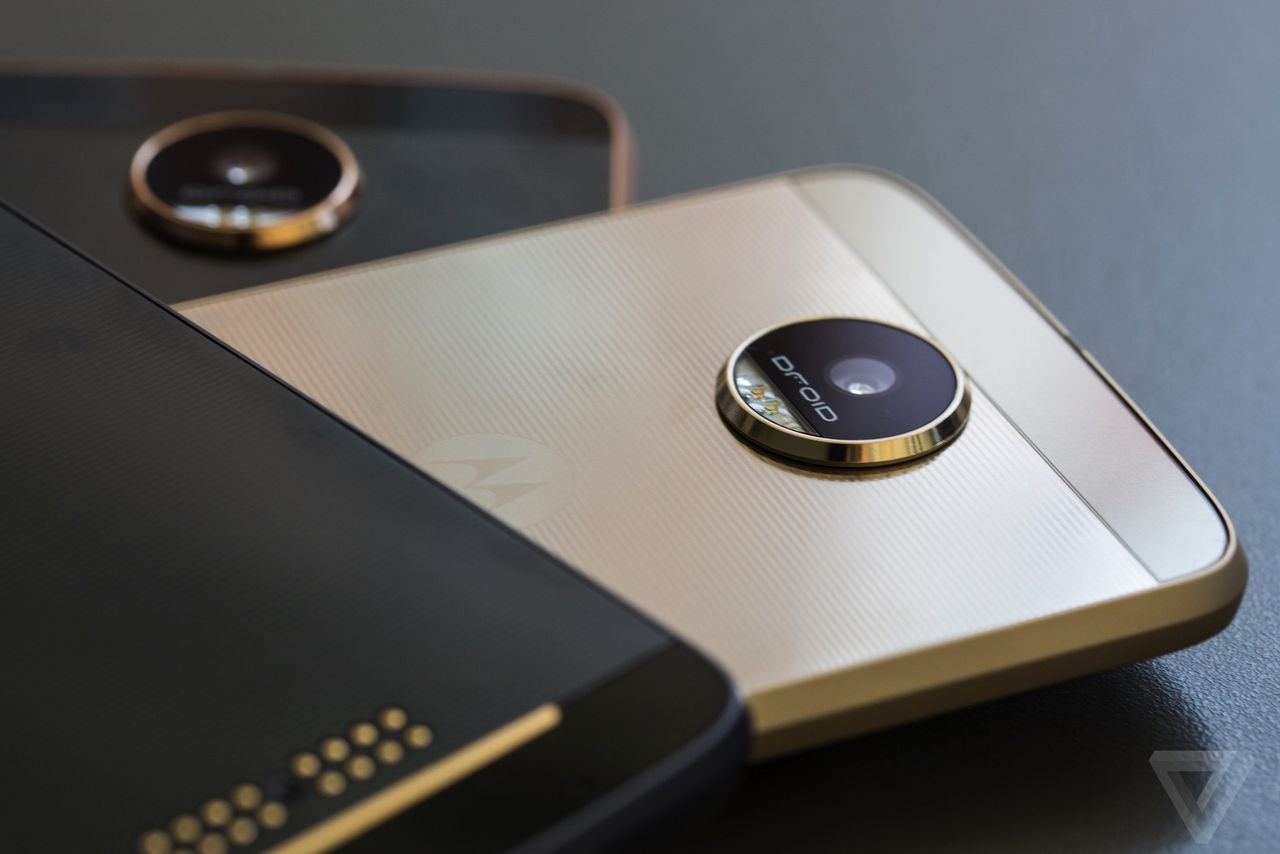 moto 39 s new phones are verizon exclusives until the fall the verge. Black Bedroom Furniture Sets. Home Design Ideas