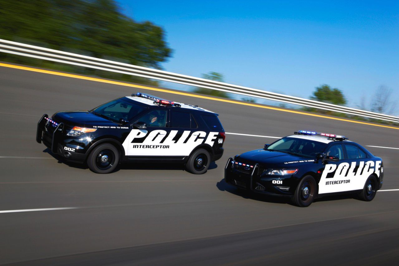 it 39 s official for police the ford taurus and explorer. Black Bedroom Furniture Sets. Home Design Ideas