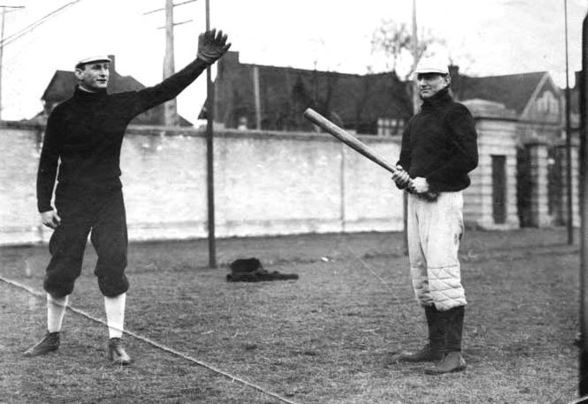 Baseball: #TBT to baseball equipment in 1900 - The Daily Gopher