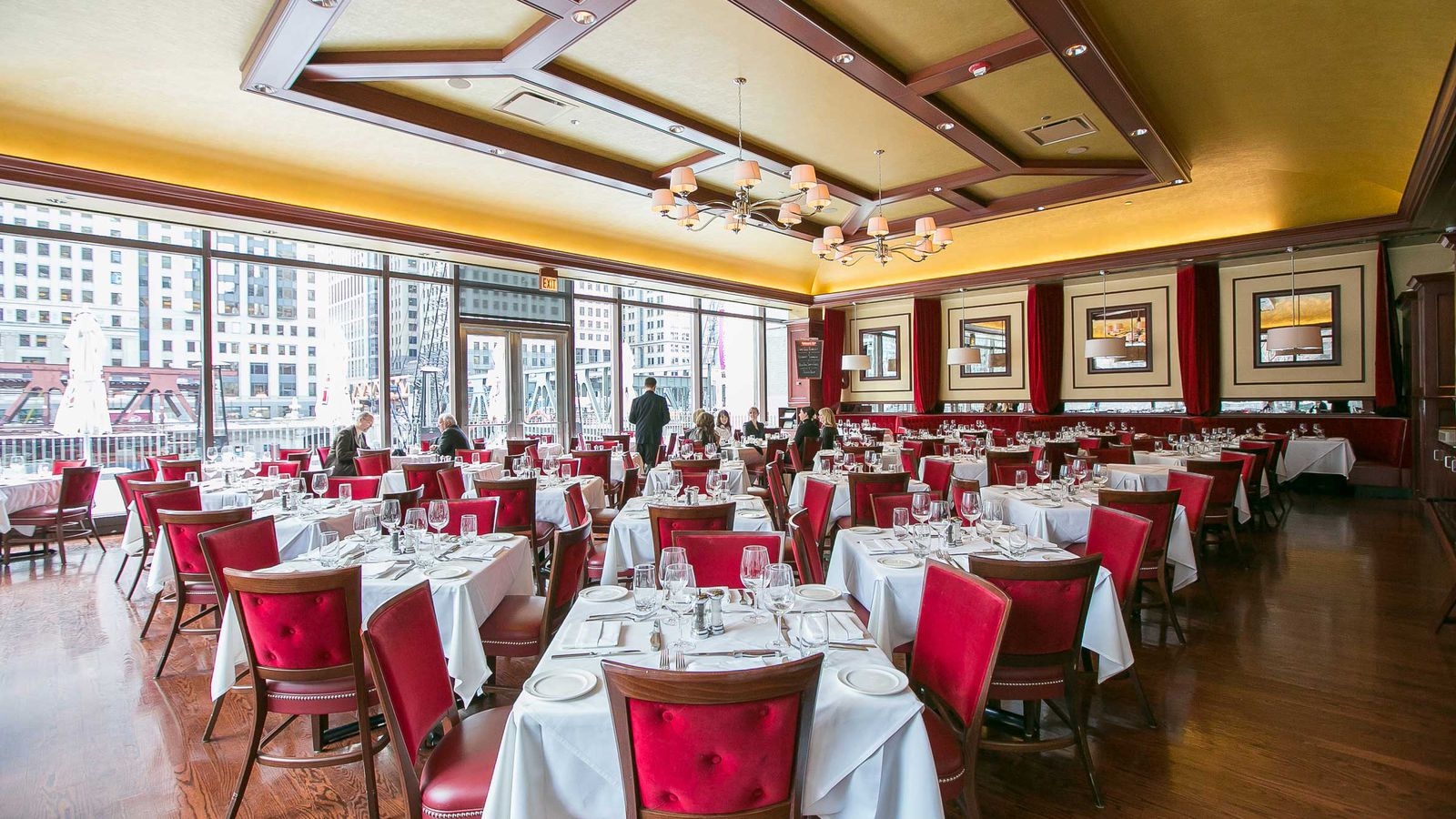 A Cut Above Here Are Chicago S 9 Essential Steakhouses