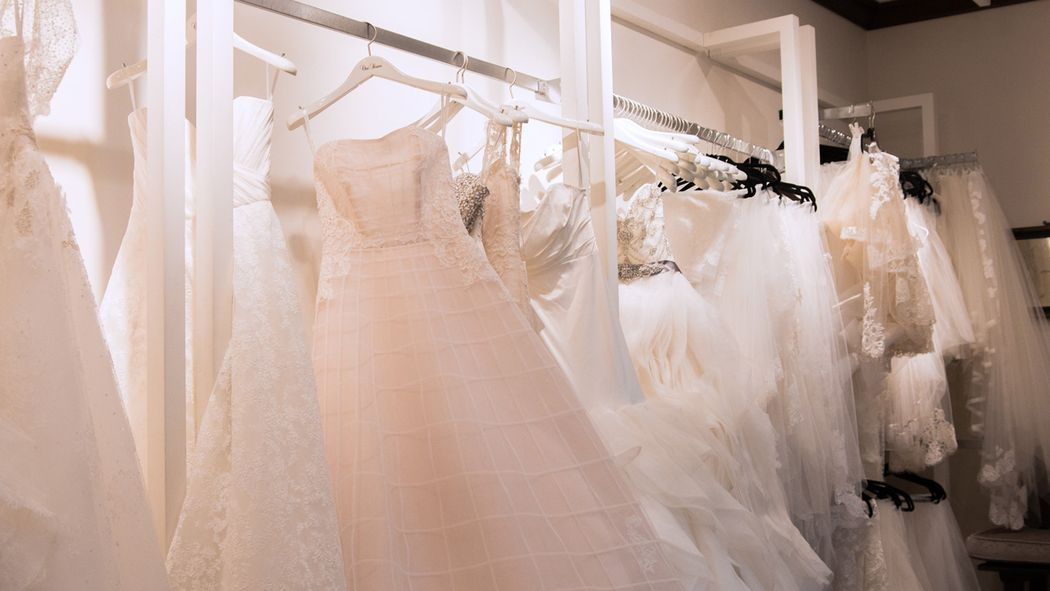 What it 39 s really like to rent your wedding dress racked for Rental wedding dresses in miami