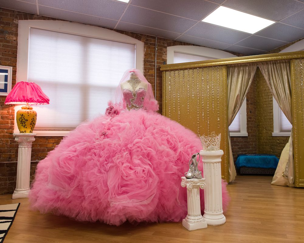 fat american gypsy wedding 39 s sondra celli talks gowns racked boston