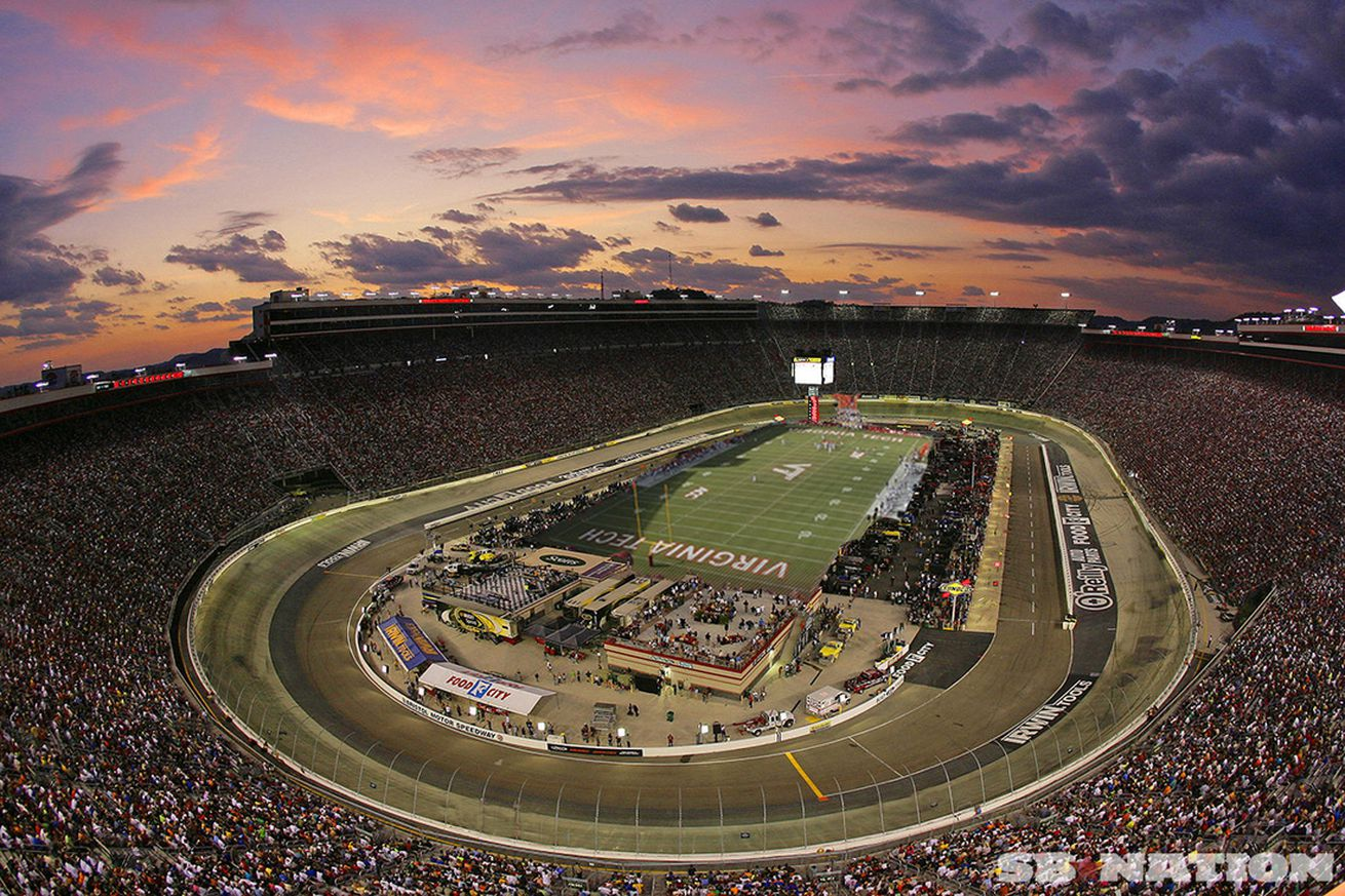 Harvick Wins Weather-Plagued Bristol 'Night Race'