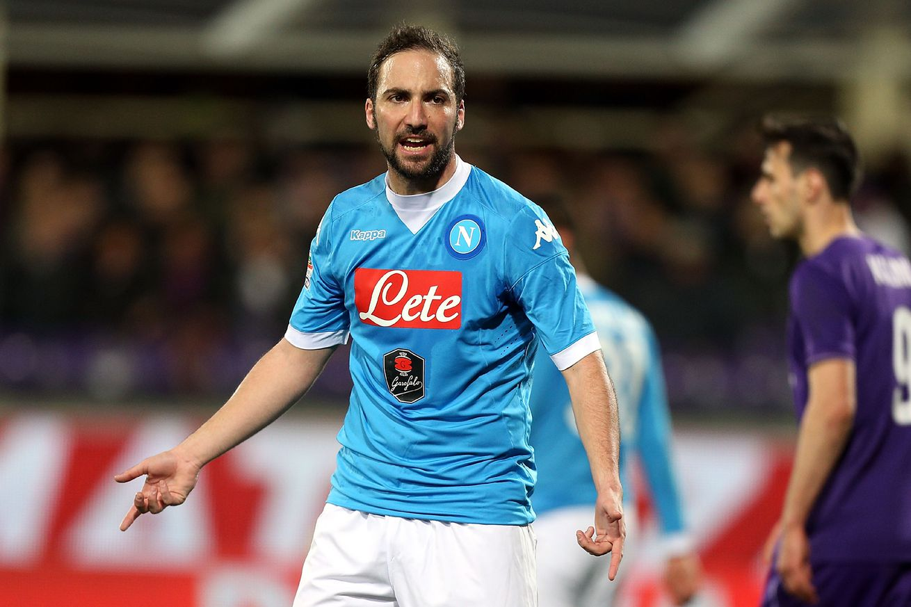 Gonzalo Higuain rejects Napoli contract as Liverpool move looms