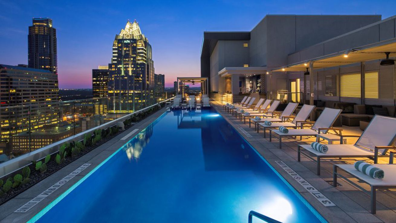 Westin Austin Downtown S Fancy Rooftop Pool Bar Is Now Open To Public Eater