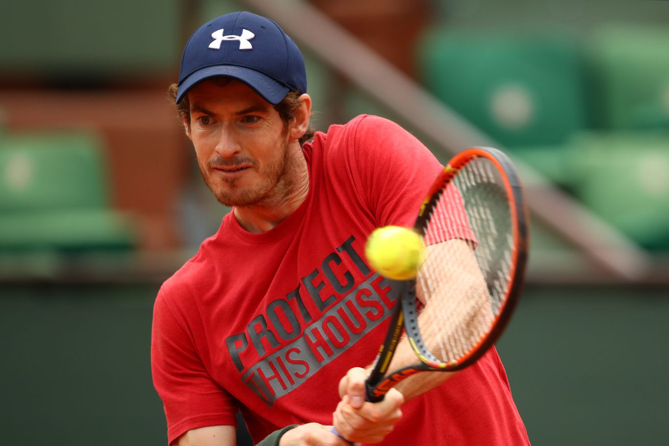 Djokovic, Murray set for blockbuster as French Open clock ticks