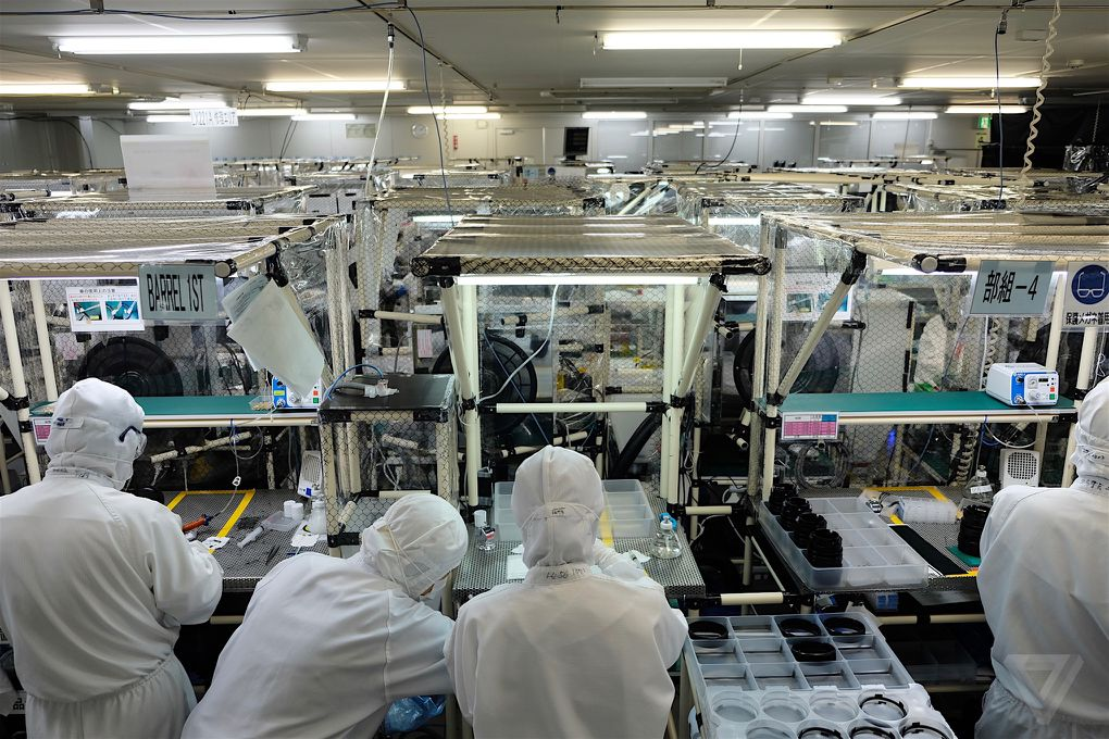 how fujifilm 39 s cameras and lenses are made in japan the verge. Black Bedroom Furniture Sets. Home Design Ideas