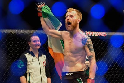 UFC Fight Night 76 start time, TV schedule, who is fighting today at Holohan vs. Smolka