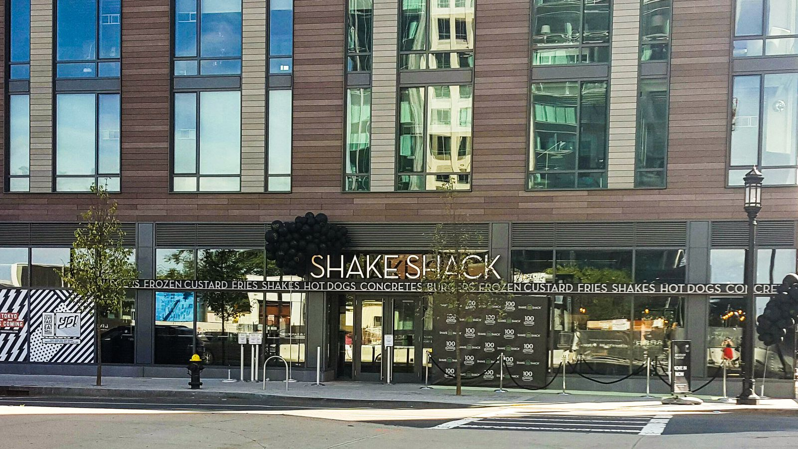 The 100th Shake Shack Opens Today, and It's Right Here in Boston - Eater Boston