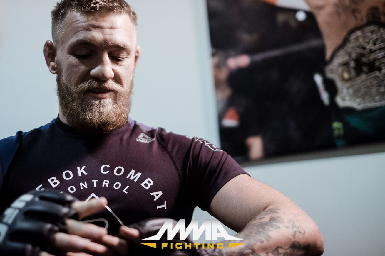 Conor McGregor: Floyd Mayweather is 'running around the Showtime offices gathering my money'