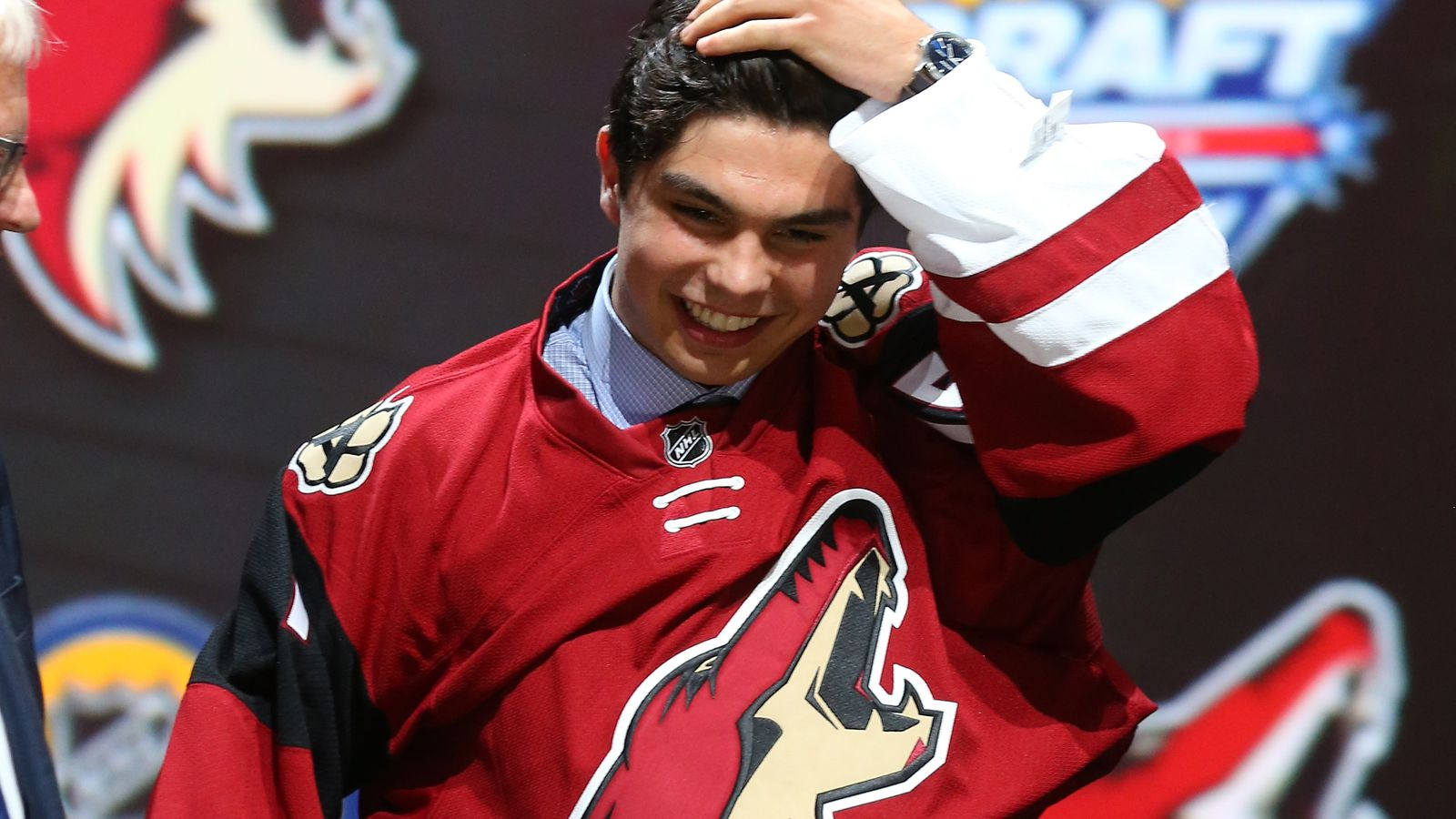 Will the Arizona Coyotes wear a third jersey in 2015-16? - Five for Howling