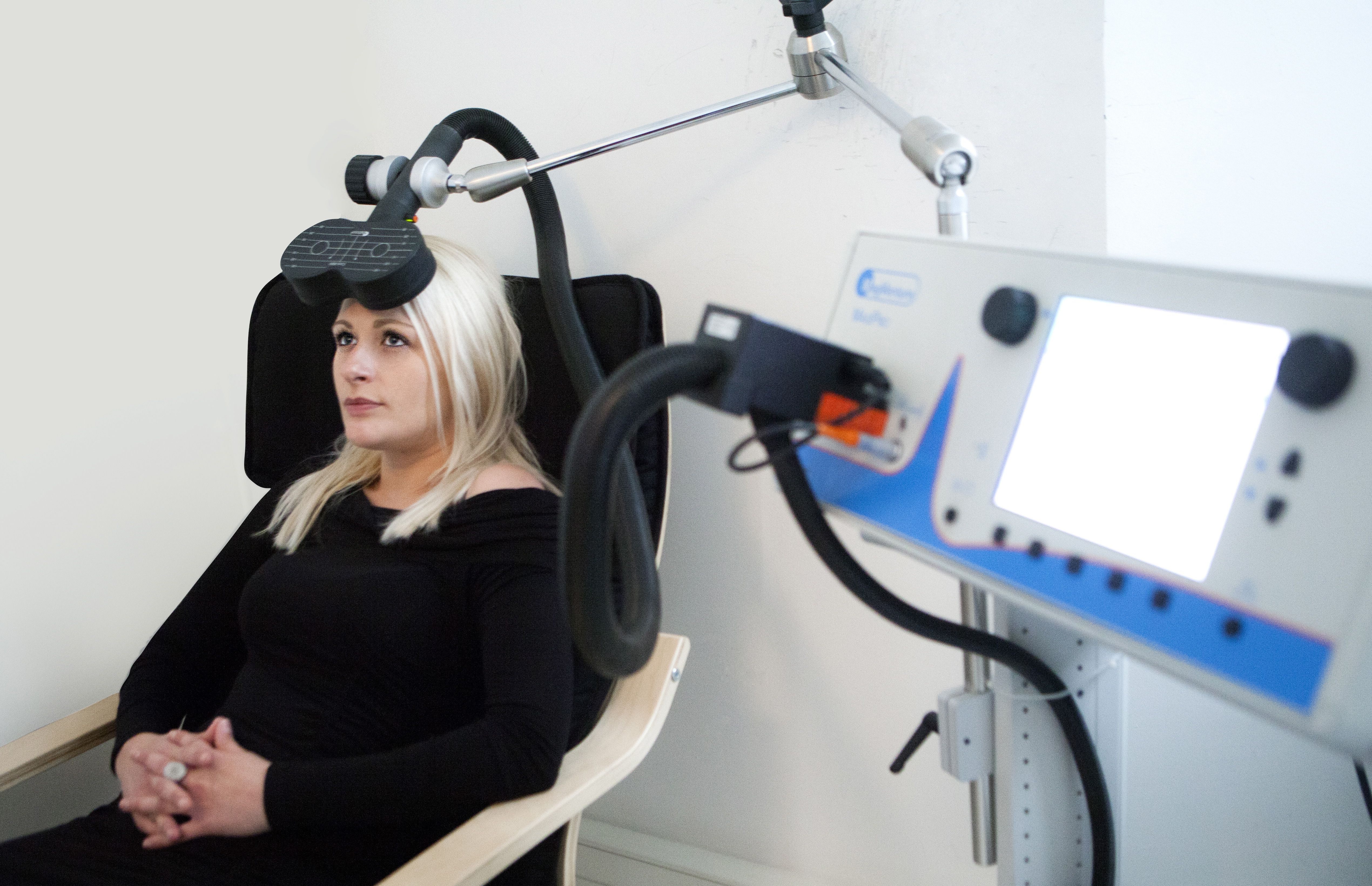 transcranial magnetic stimulation tms for depression The key terms used to search for randomized control trails and guidelines were major depressive disorder, transcranial magnetic stimulation, treatment, intervention and guidelines literature review three randomized control trials and one guideline were used to evaluate the effectiveness of tms for the treatment of mdd.