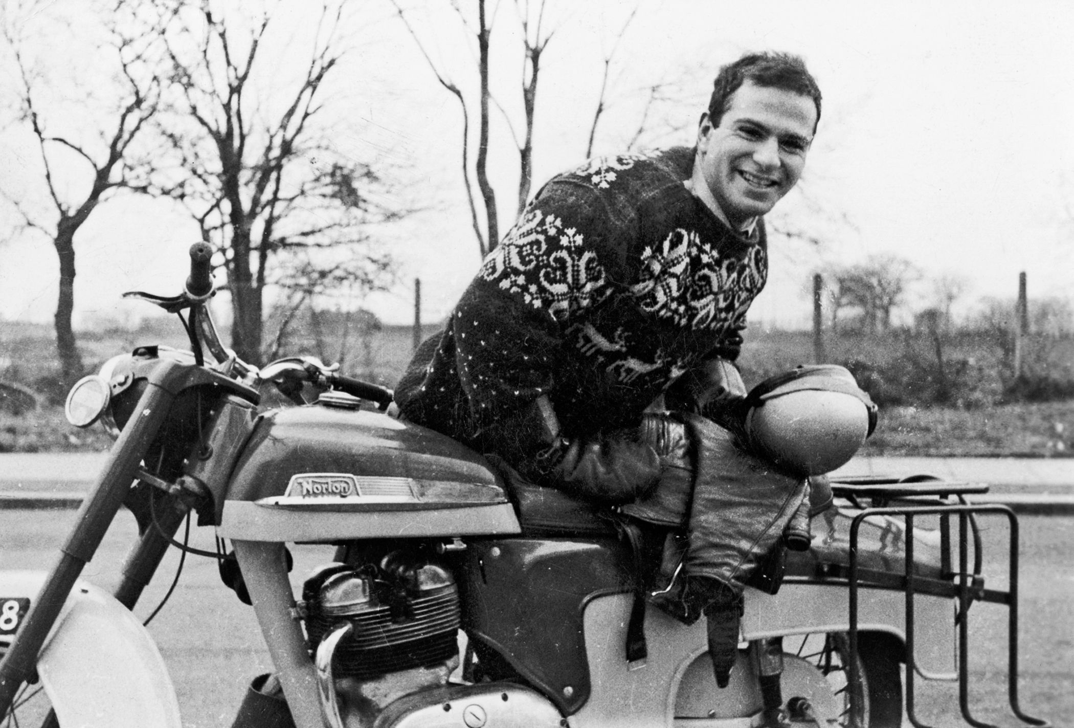 oliver sacks Oliver sacks: oliver sacks, british neurologist and writer who won acclaim for his sympathetic case histories of patients with unusual neurological disorders.