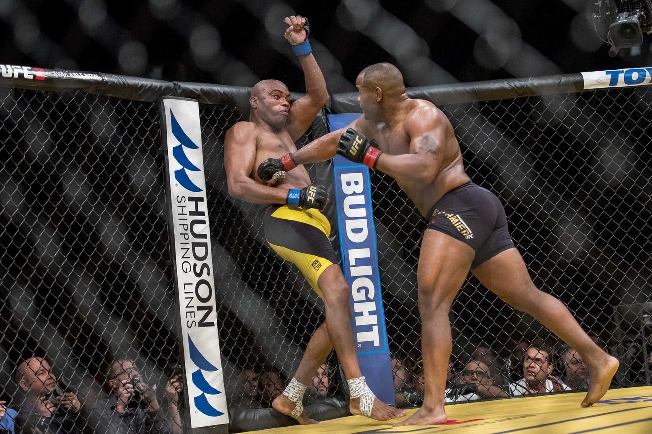 UFC 200 results recap: Daniel Cormer vs Anderson Silva fight review and analysis