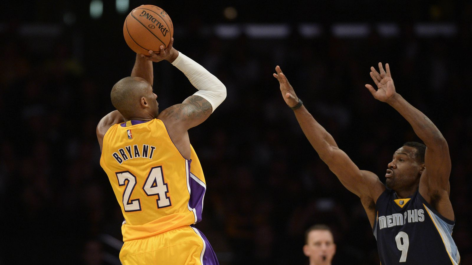 The gallery for --> Kobe Bryant Shooting A 3
