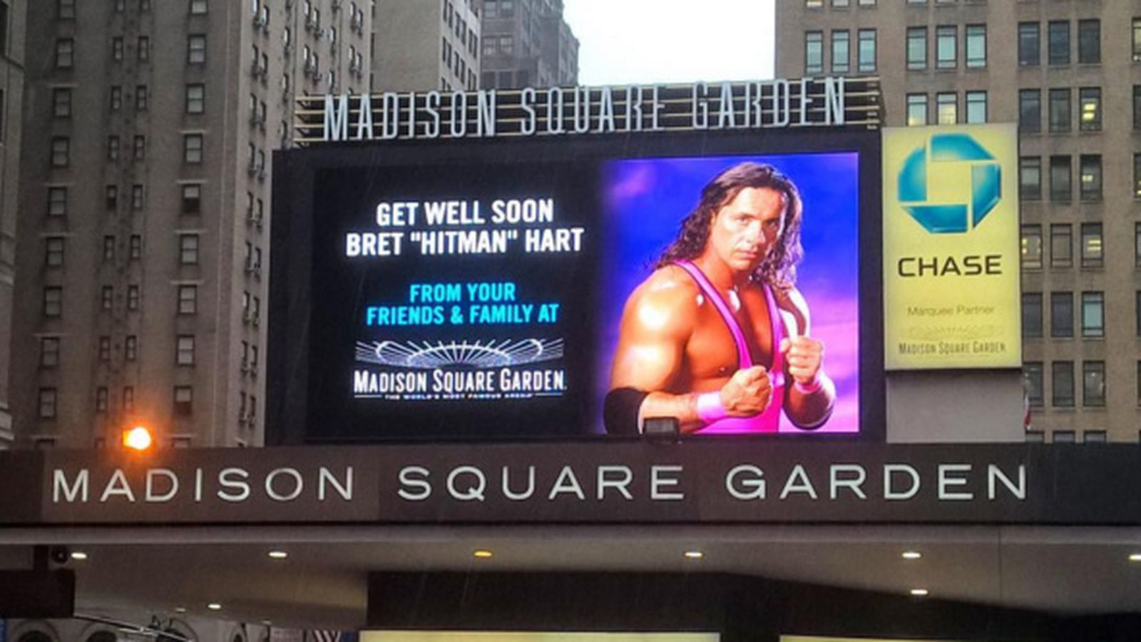 Madison Square Garden Sends A Special Get Well Message To Bret Hart Cageside Seats