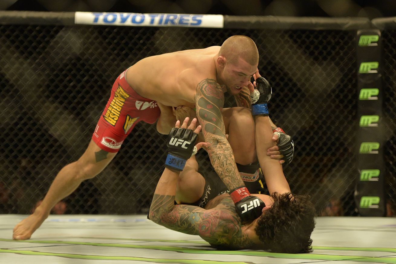 Dustin Poirier predicts he will knock out Bobby Green at UFC 199