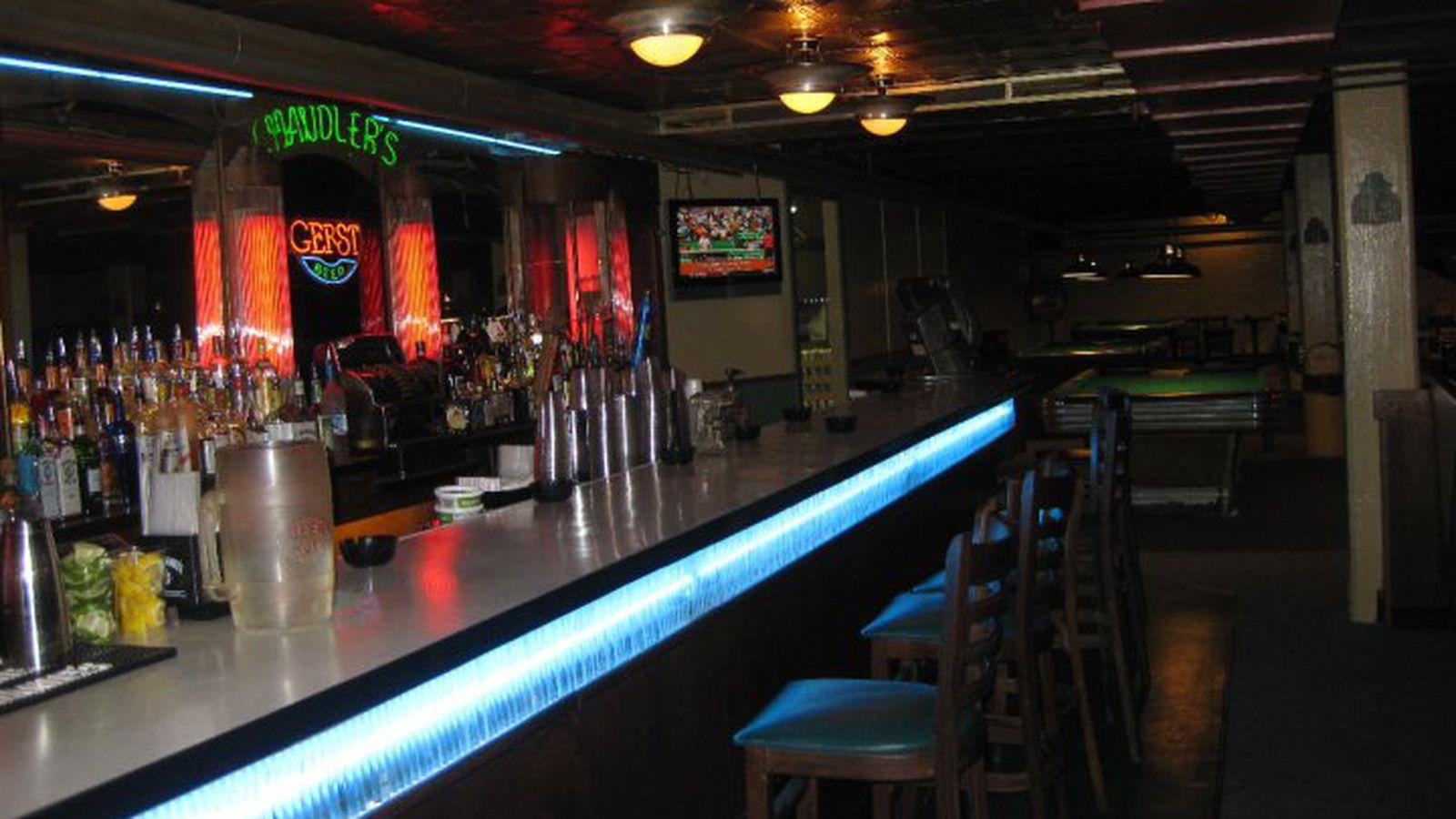 A guide to 14 essential nashville dive bars eater nashville for Bar dive