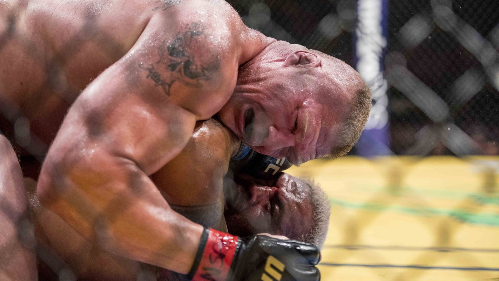 Brock lesnar vs mark hunt full fight video highlights mma fighting
