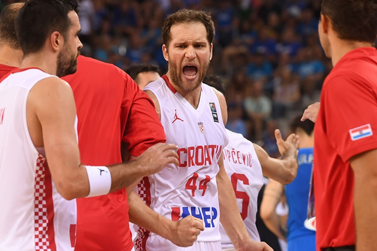 Basketball-Serbia and Croatia seal Olympic berths