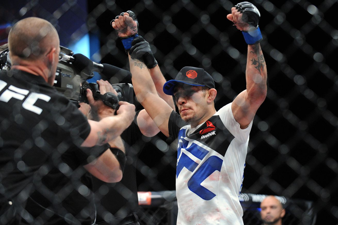 community news, UFC Fight Night 91 results: Tony Ferguson survives early scare, submits Lando Vannata in awesome back and forth barnburner
