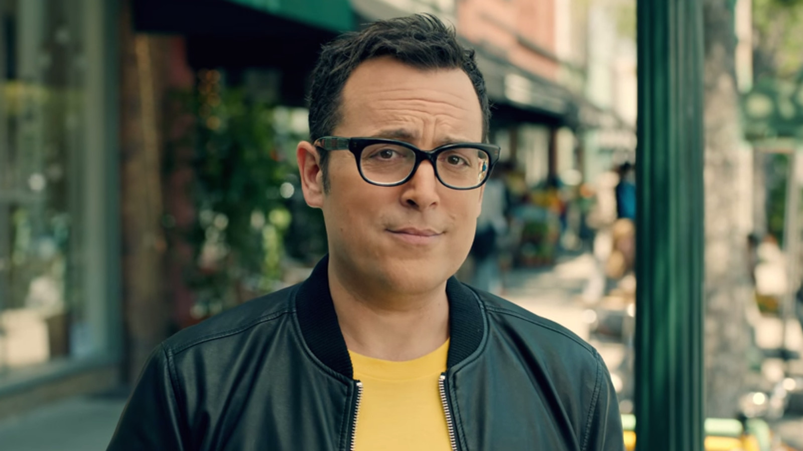 The old Verizon guy, now new Sprint guy, really does look ...