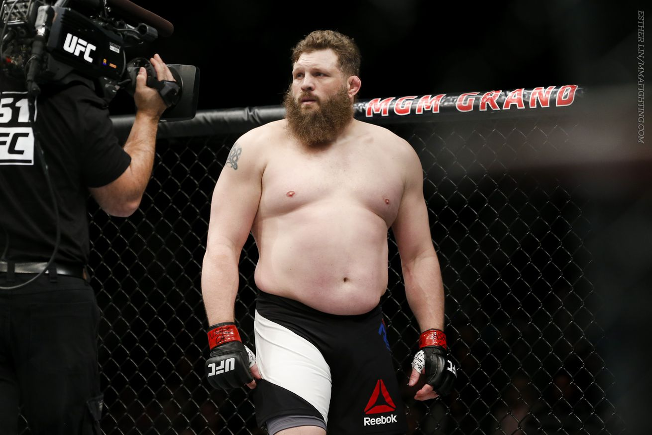 Roy Nelson wants a title shot against Stipe Miocic with win over Derrick Lewis