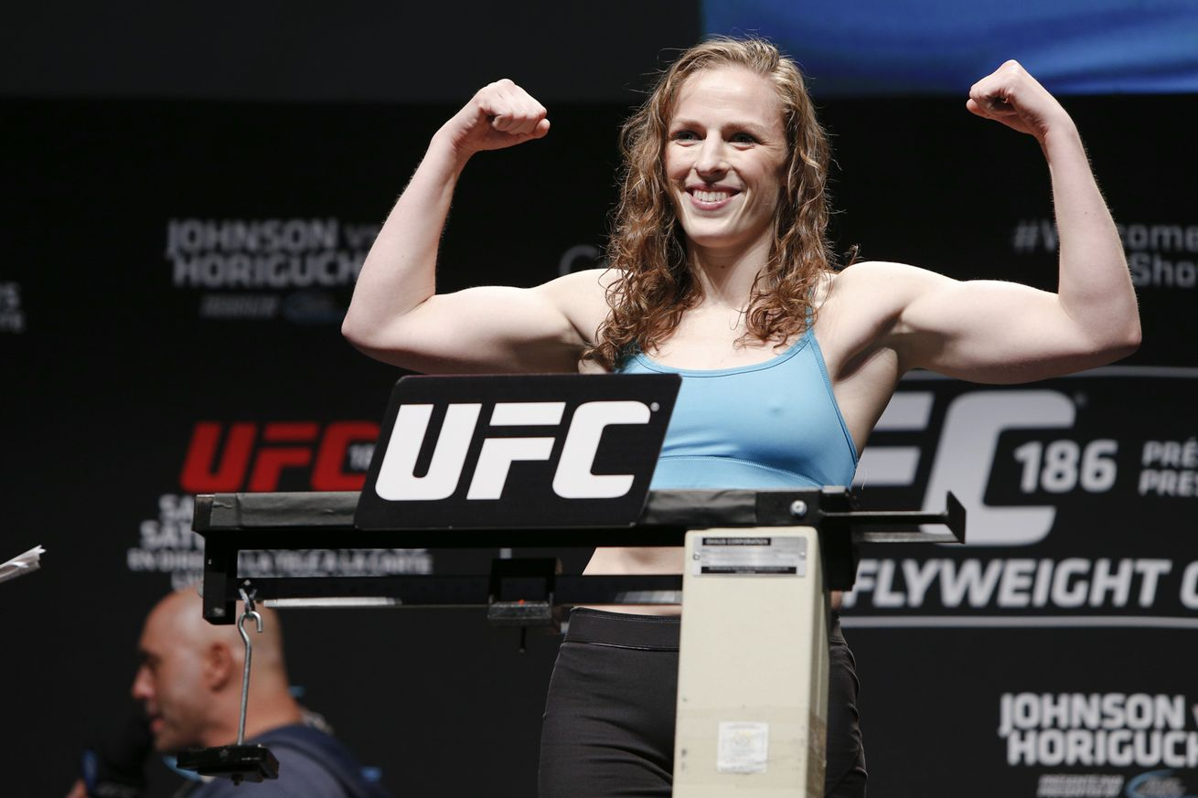 Free agent Sarah Kaufman weighing options, interested in Cris Cyborg fight