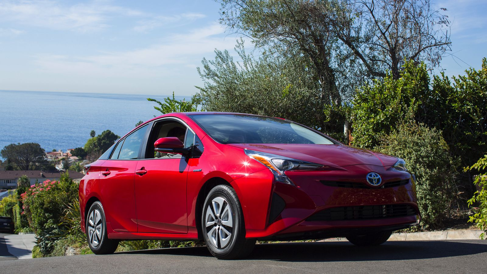 the 2016 toyota prius is the most fuel efficient car consumer reports has ever tested the verge. Black Bedroom Furniture Sets. Home Design Ideas