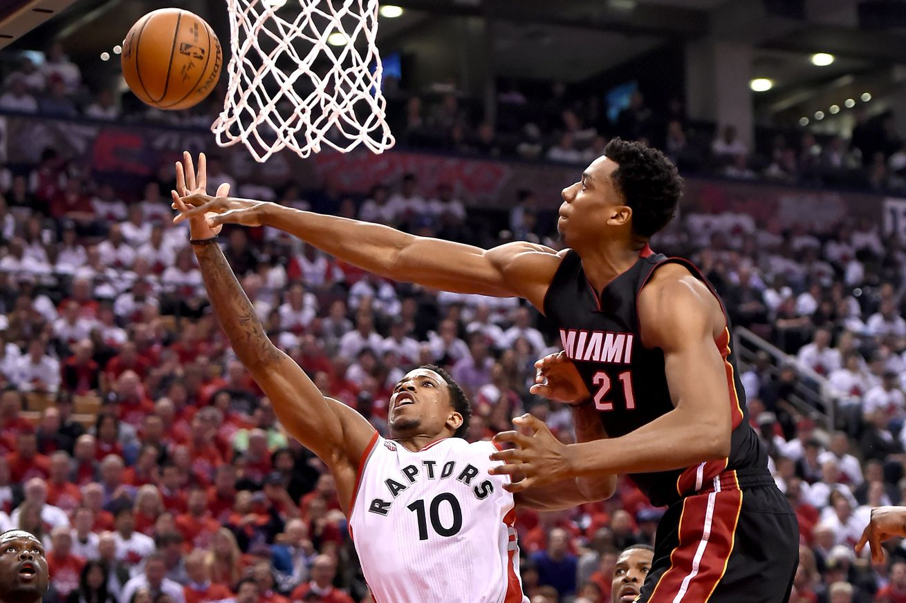 Whiteside makes his announcement, and he's staying in Miami