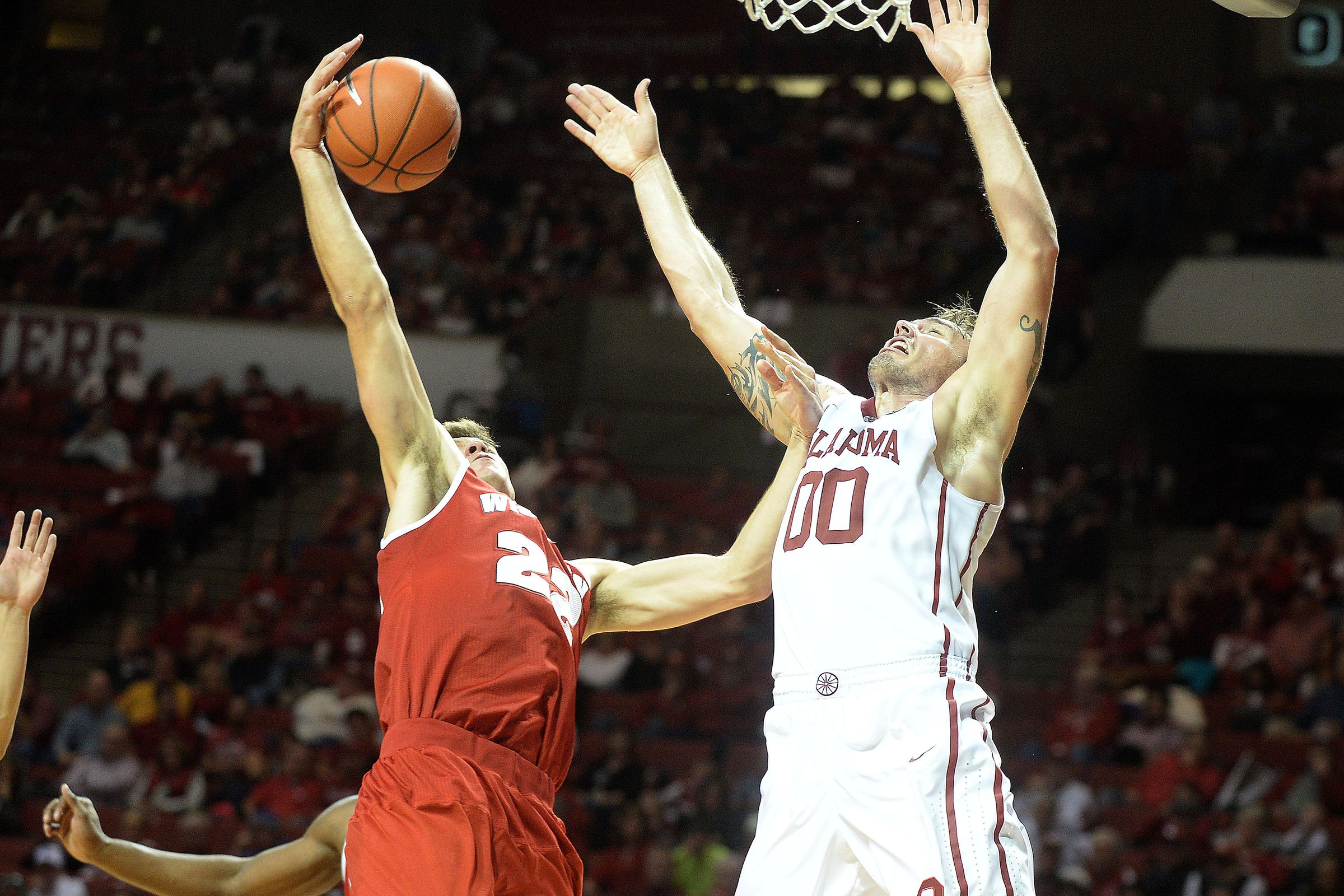 Wisconsin's offense stumbles in 65-48 loss to No. 7 Oklahoma