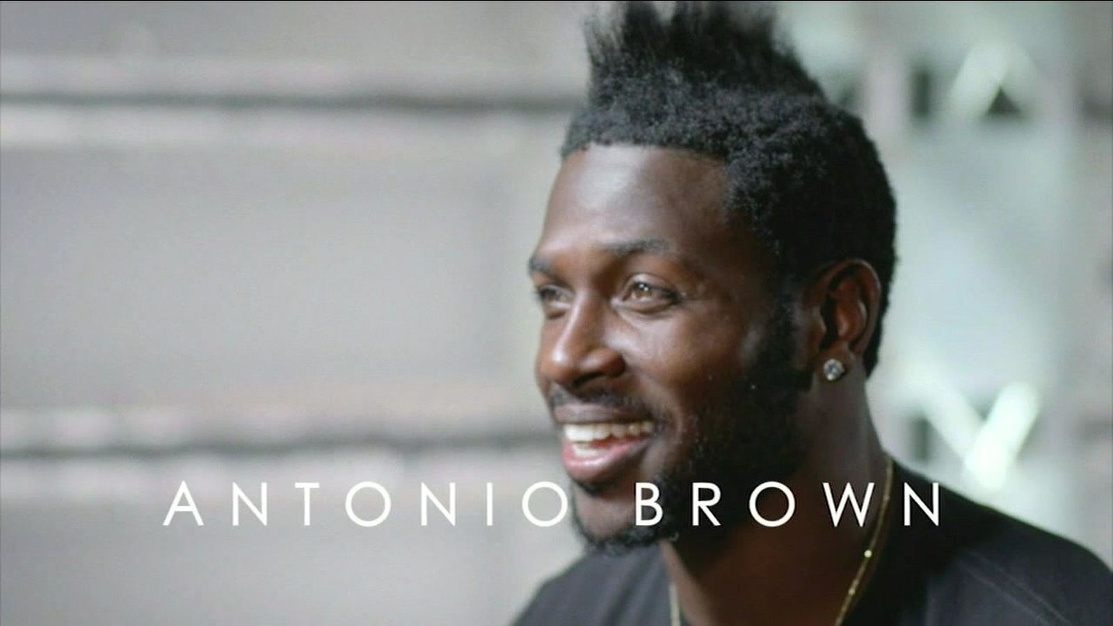 Antonio Brown grew a mohawk because he39;s 39;trying to be a TRex