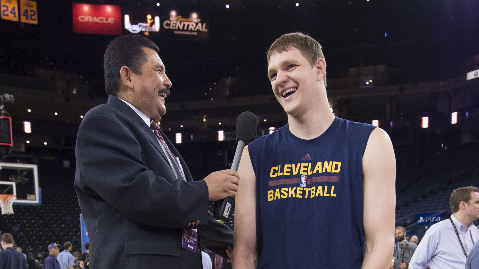 Timofey Mozgov agrees to 4-year, $64 million contract with Lakers