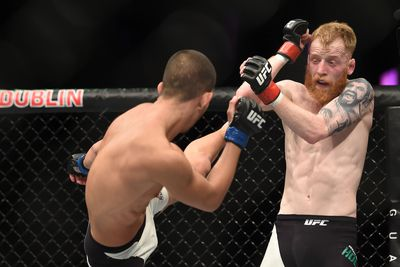 Louis Smolka vs. Paddy Holohan full fight video highlights