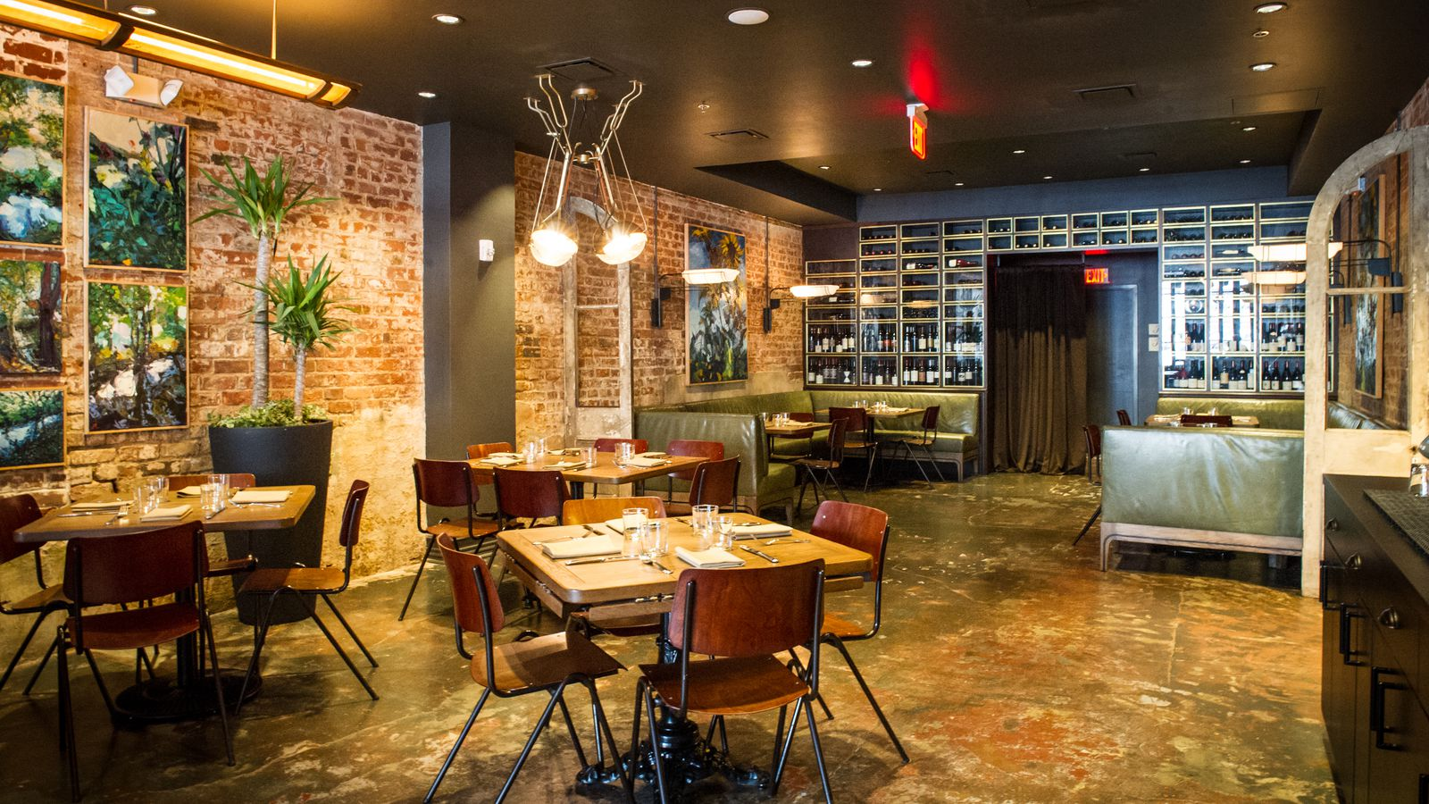 Try Mother's Next Door! With its original exposed brick and gold plaster trim, Mother's Next Door's distressed warehouse feel lends every gathering the authenticity of tradition. The venue consists of two large rooms, the Dining Room and the Banquet Room.