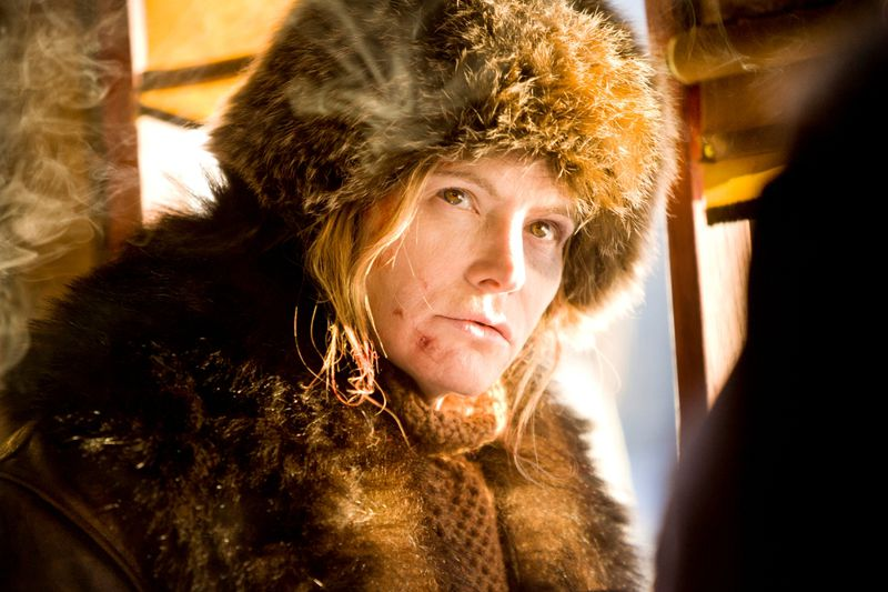 Jennifer Jason Leigh plays Daisy in The Hateful Eight.
