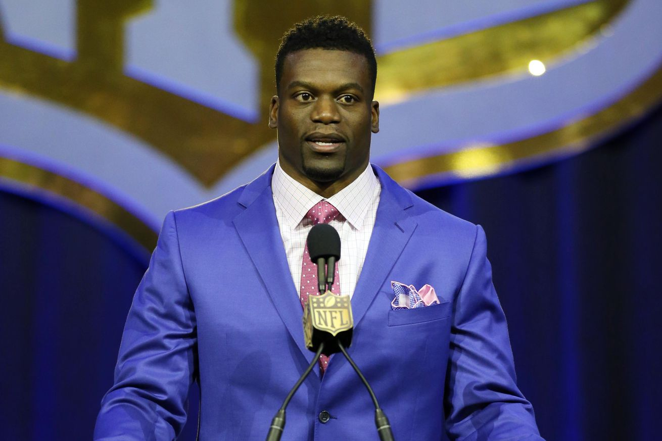 Saints' Ben Watson Does Pantene Commercial With His Daughter