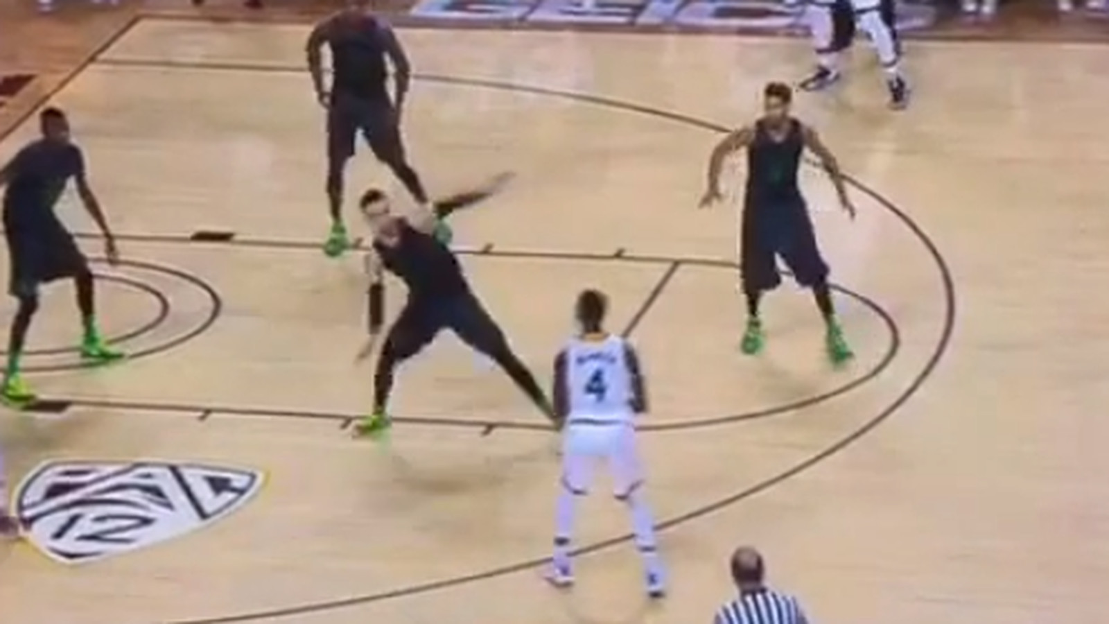 Oregon guard gets his ankles broken so badly he stumbles back like he ...