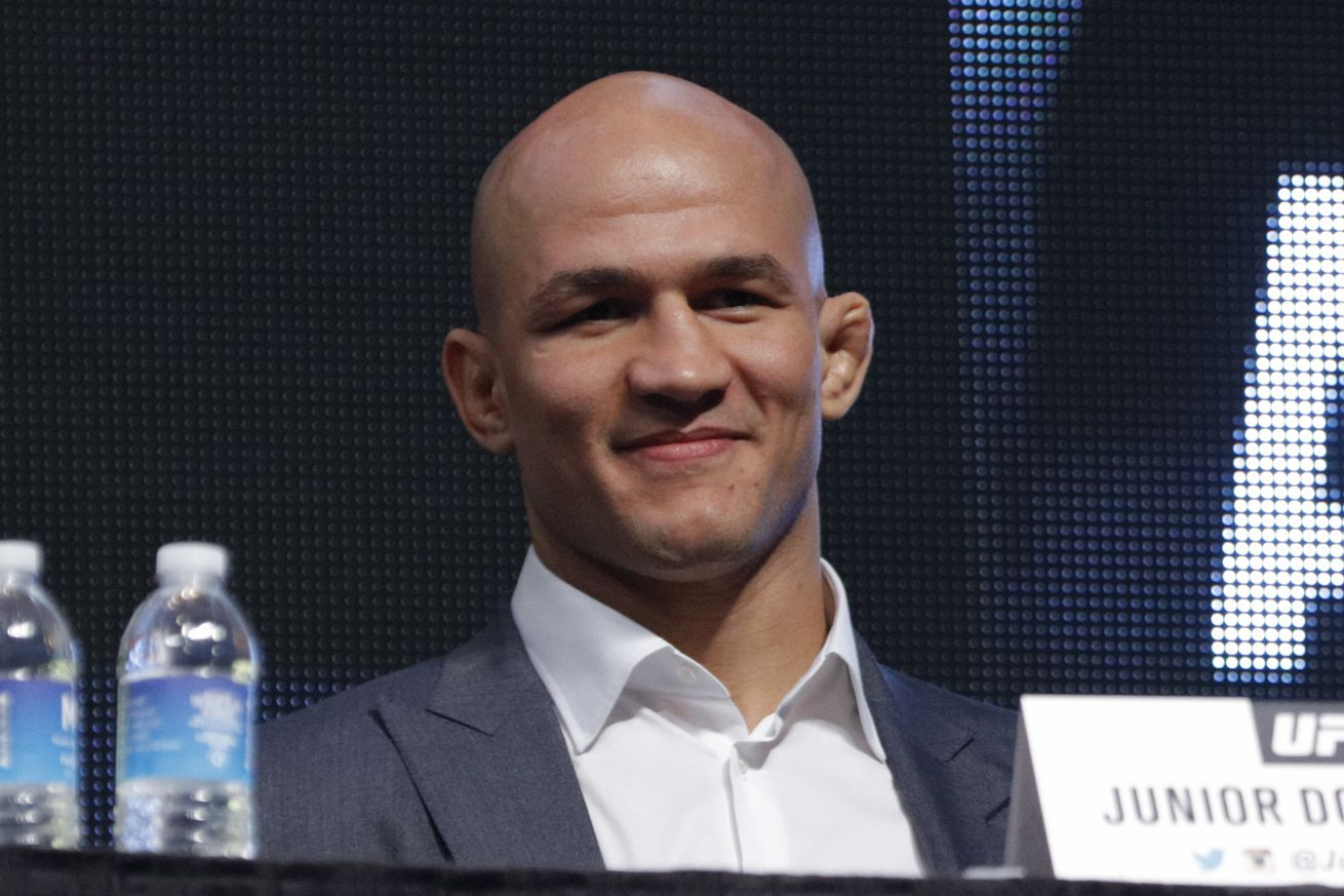 community news, Junior dos Santos wasn't surprised by UFC 198, because Fabricio Werdum is 'not a striker'
