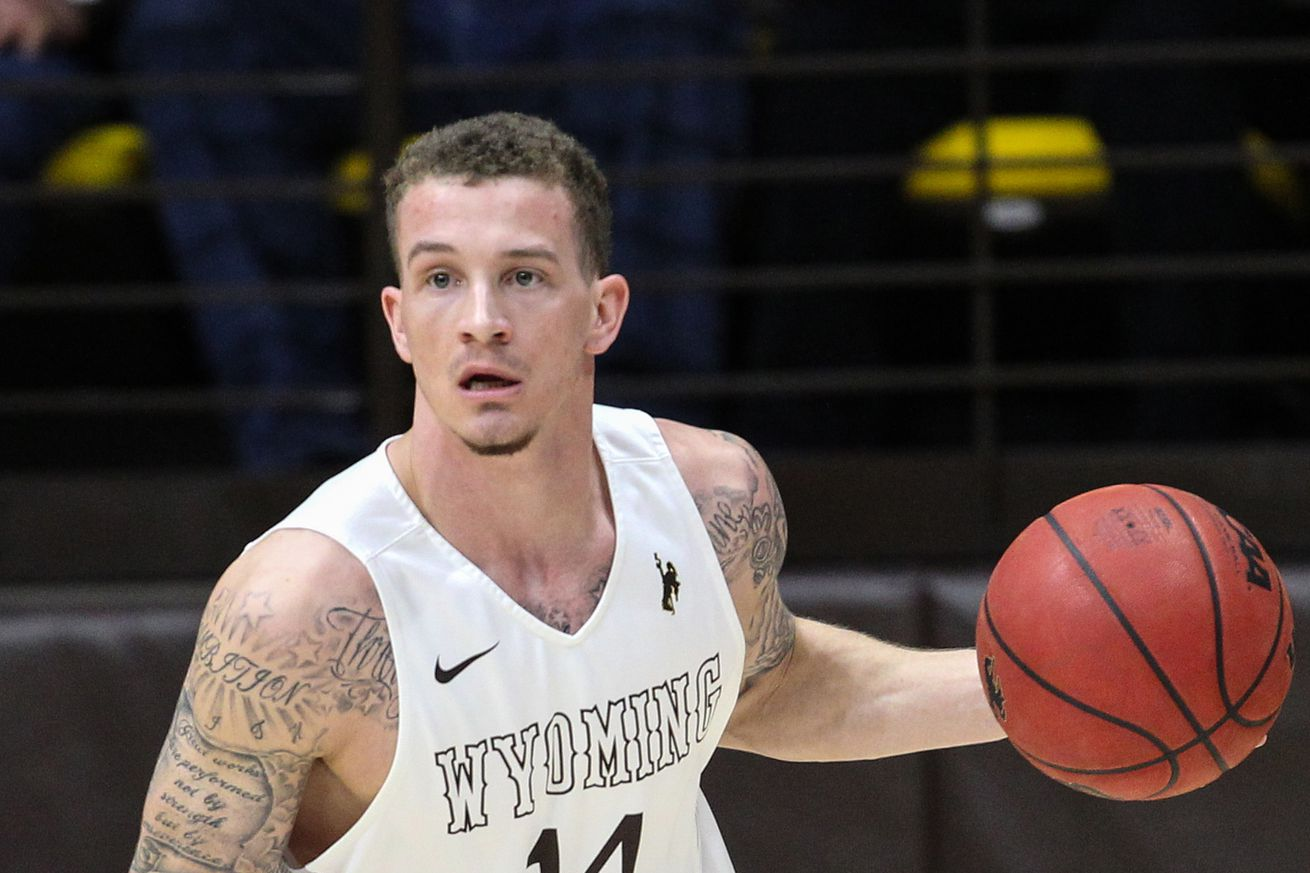 Wyoming holds off New Mexico 70-68