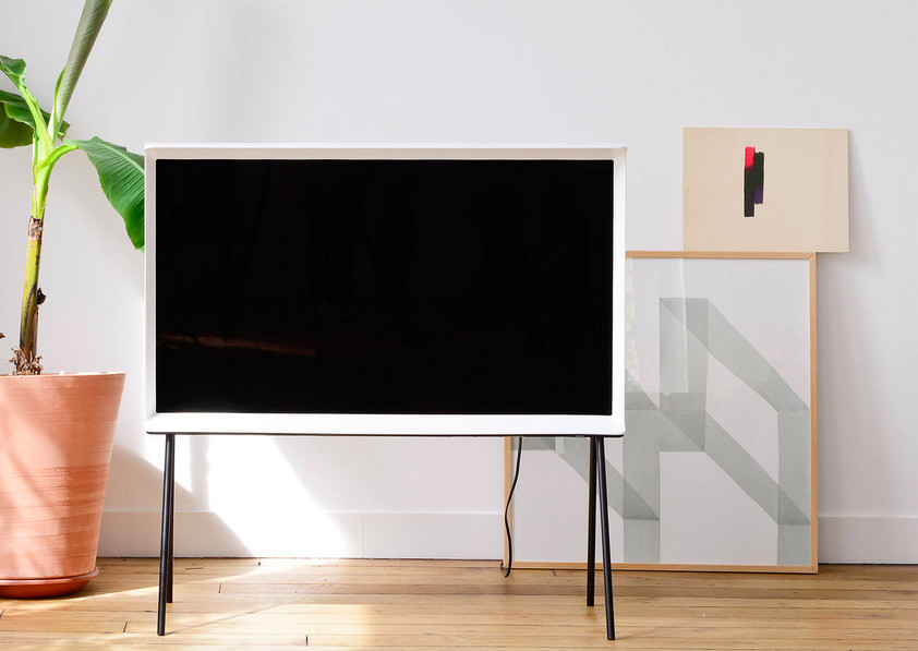 samsung 39 s serif tv is a font of ugly the verge. Black Bedroom Furniture Sets. Home Design Ideas
