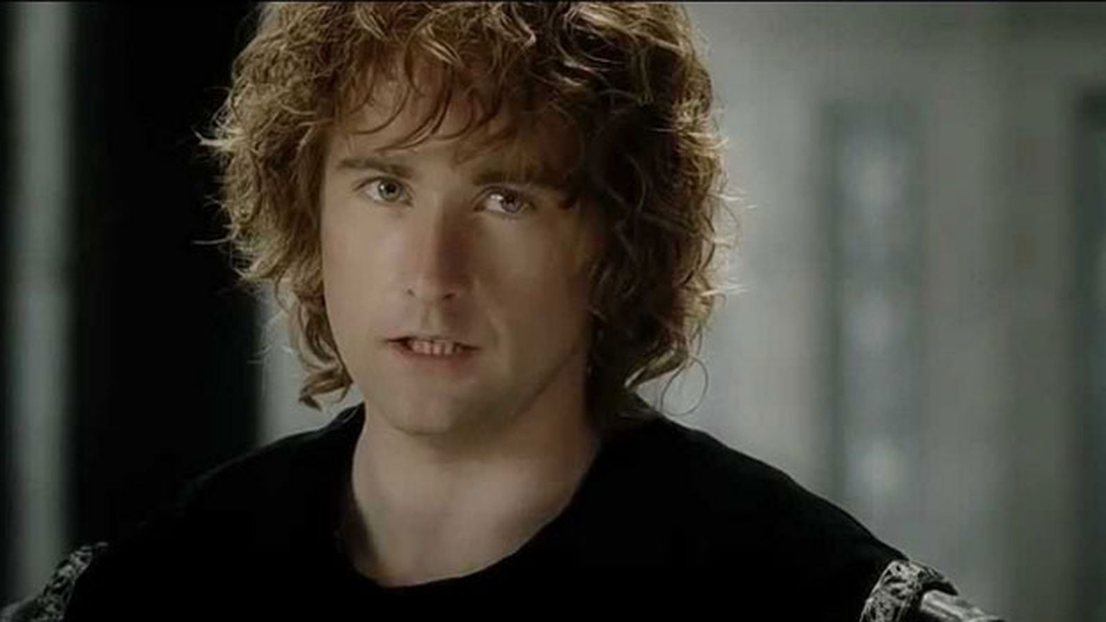 Watch Pippin sing the final song in 'The Hobbit' trilogy ...
