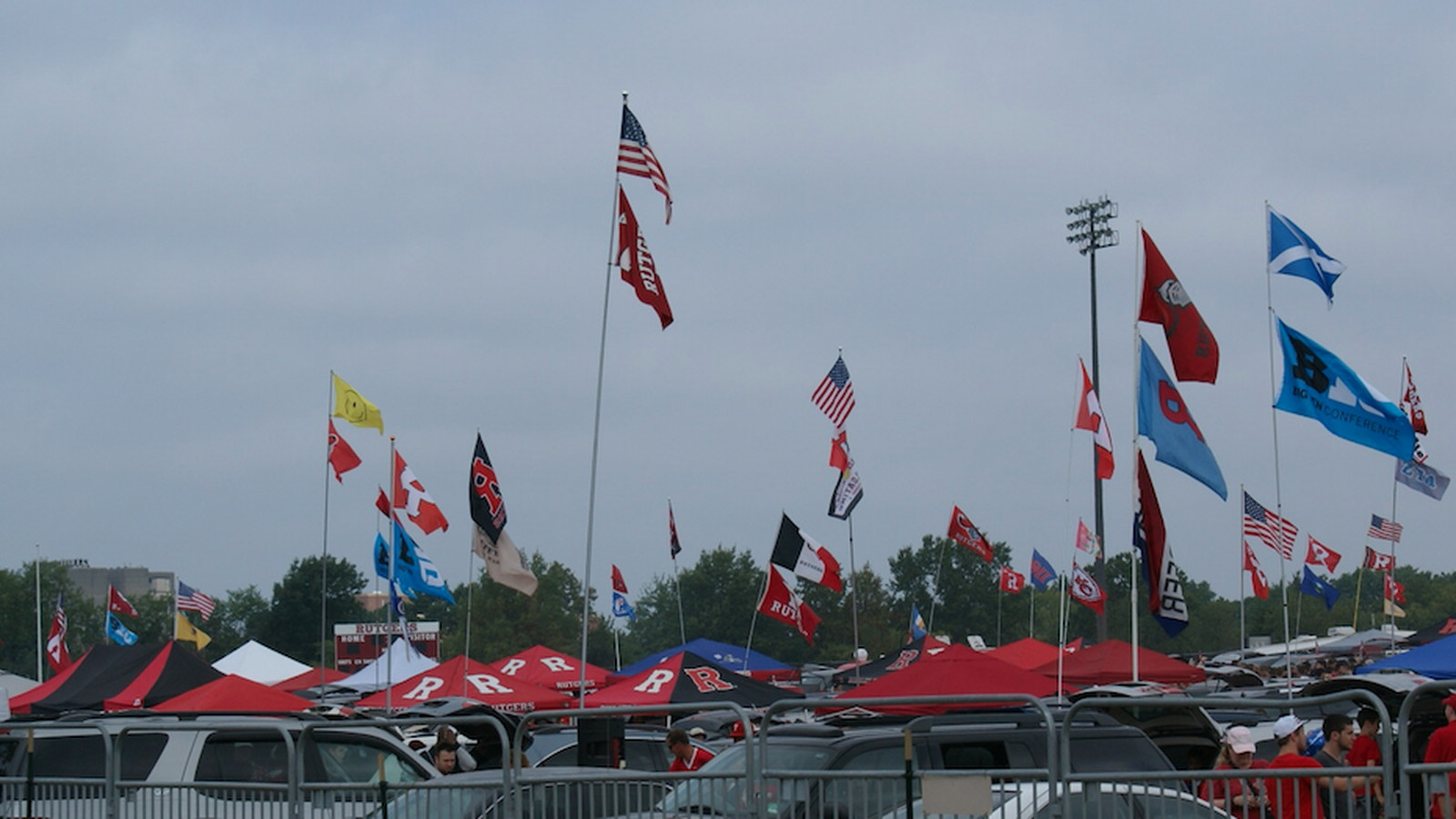 Tailgate_flags.0.0