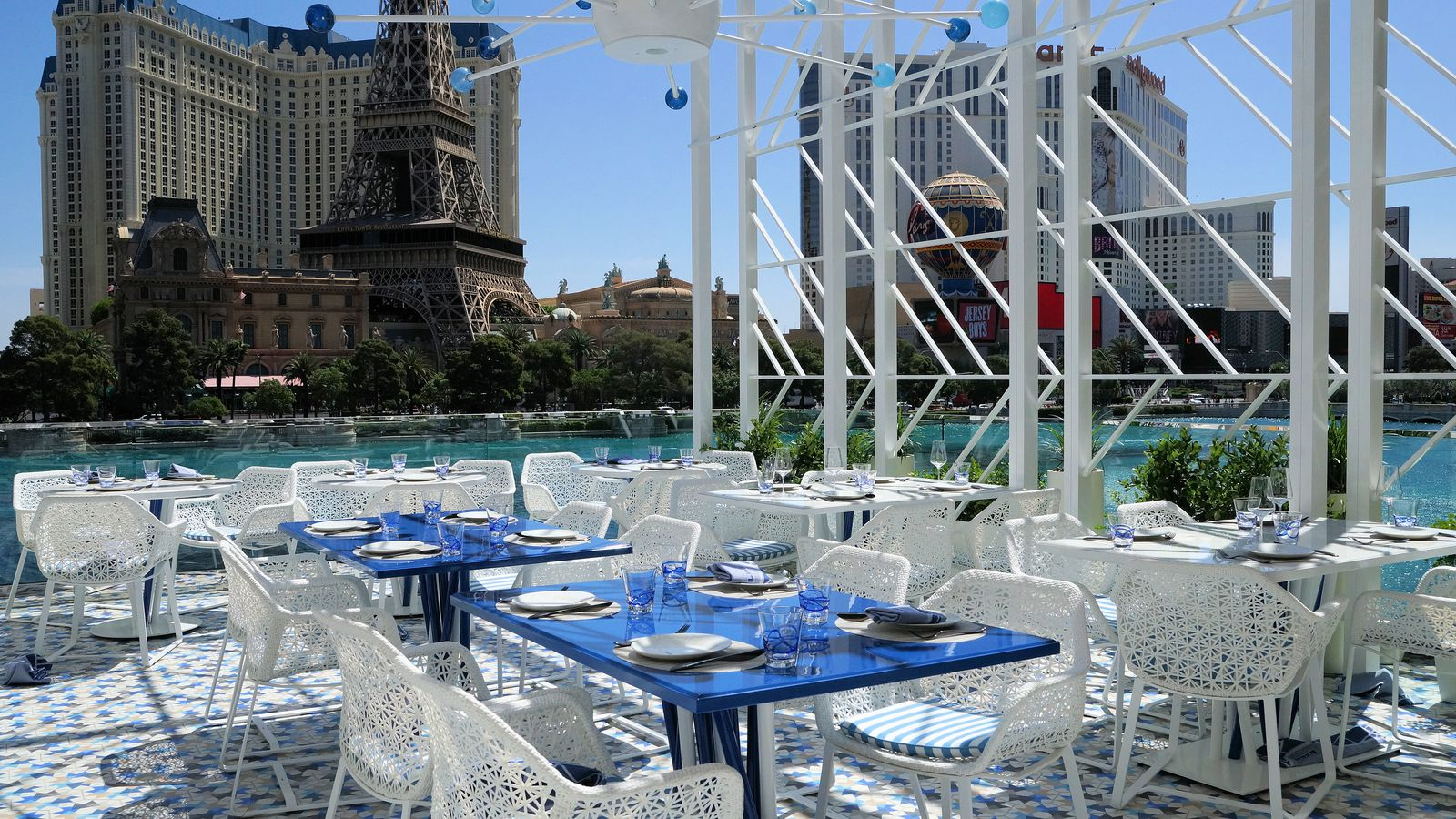 The hottest new outdoor dining spots in las vegas eater for Garden statues las vegas nv