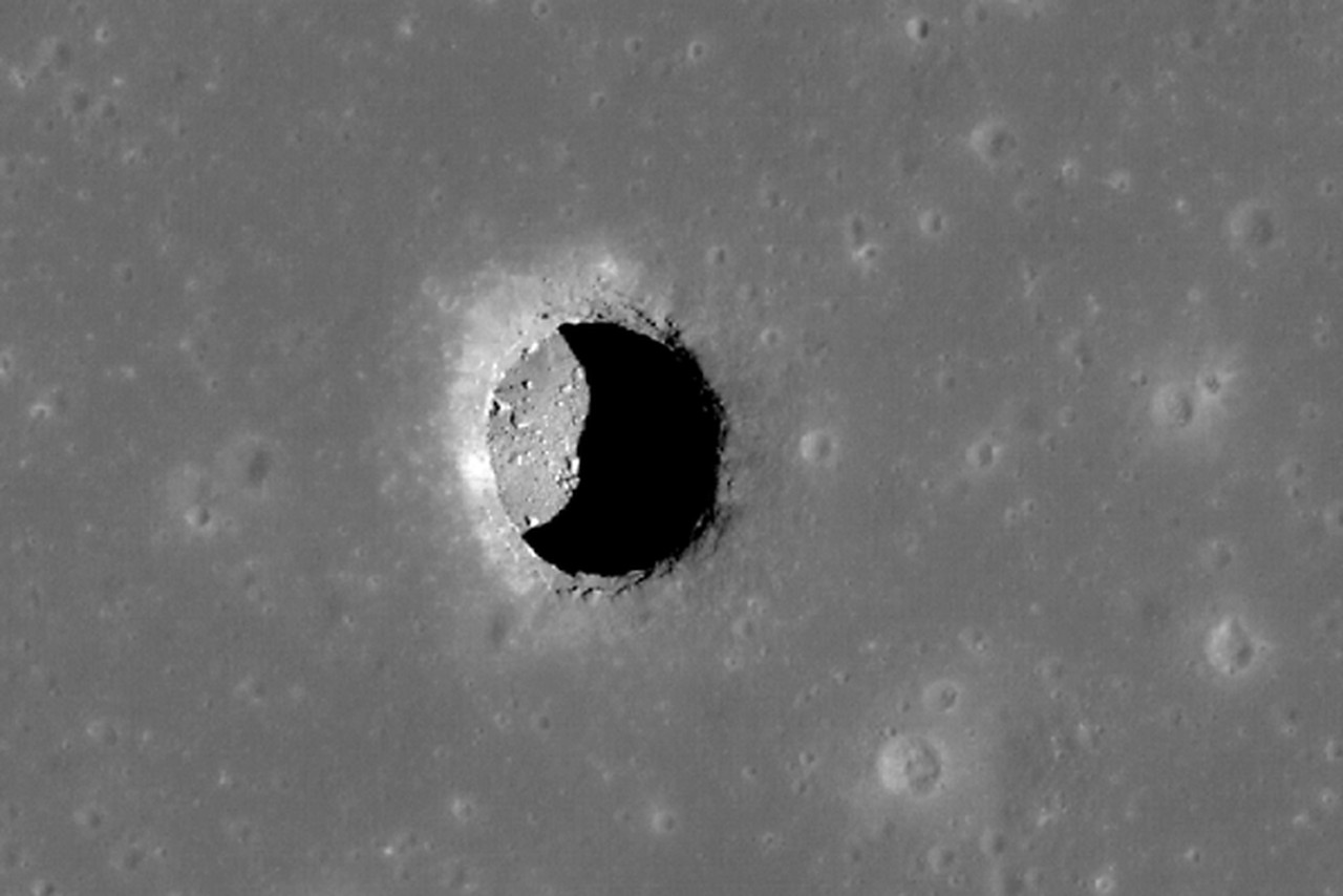 NASA thinks the moon's underground caves could house ...