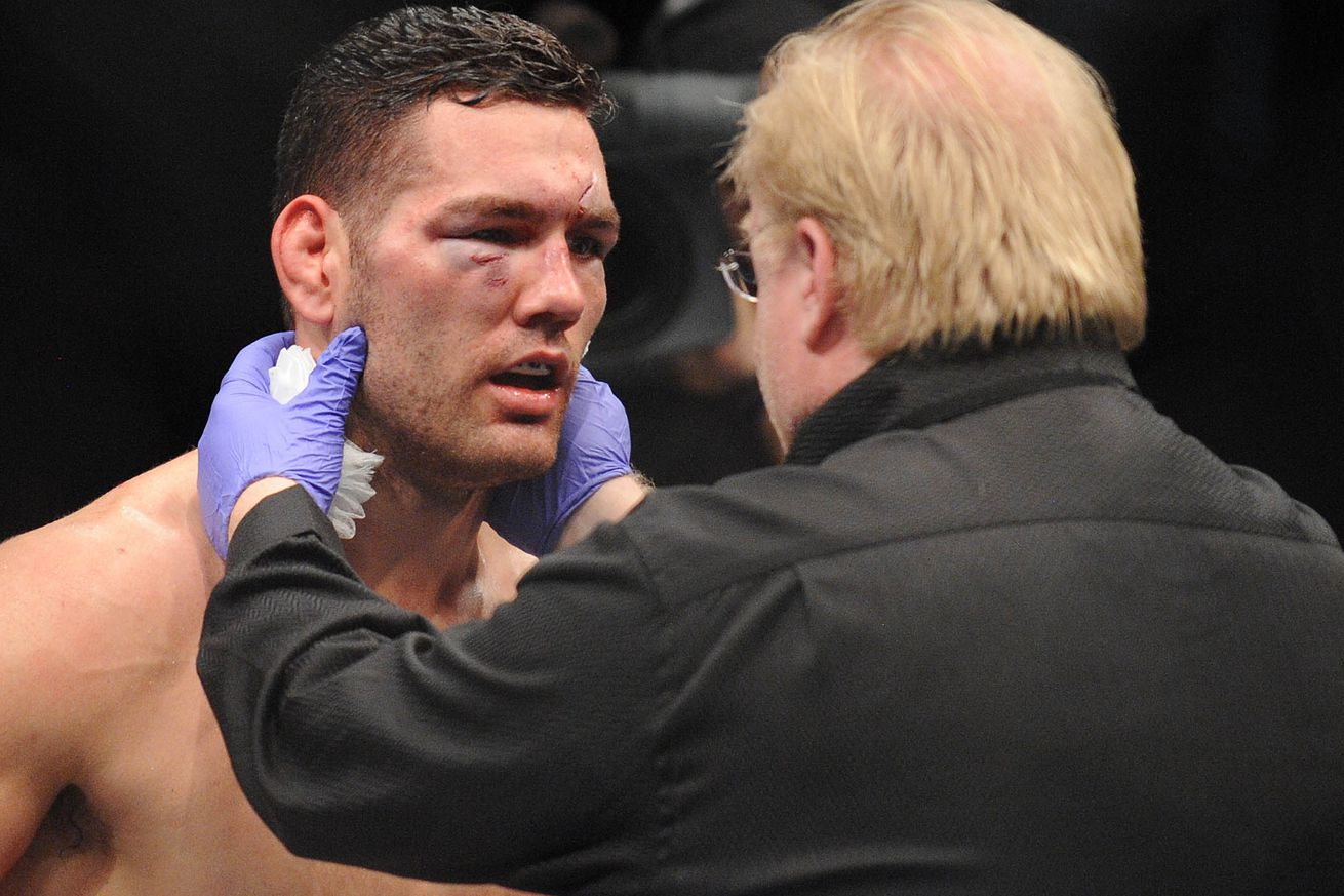 Chris Weidman details serious neck injury that ended Luke Rockhold fight at UFC 199