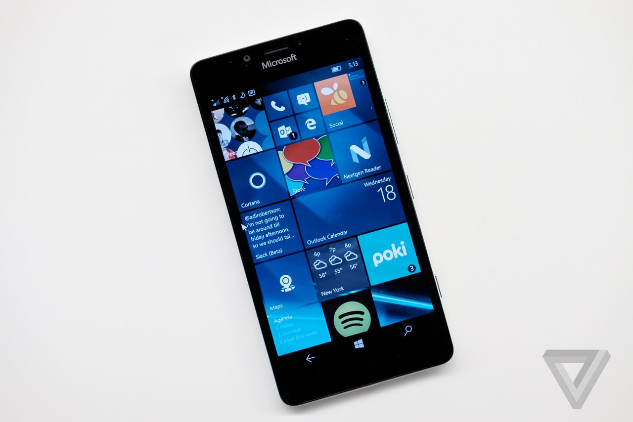 Microsoft delays its Windows 10 Mobile upgrade to early ...