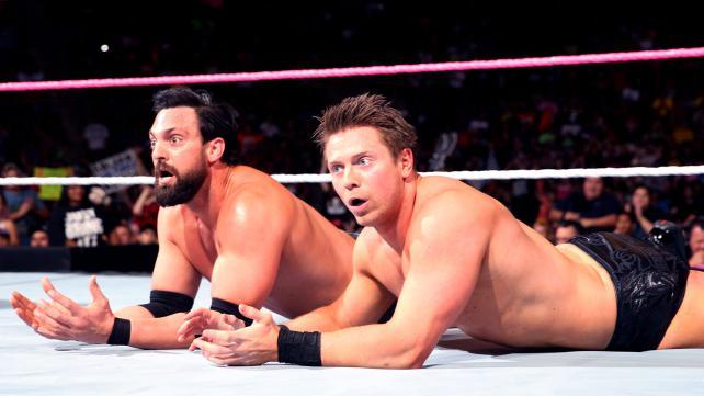 Назначен матч с условиями на RAW